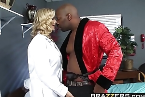 Insulting beauteous doctor (Julia Ann) wants some  BBC in her ass - BRAZZERS