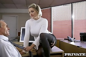 Private.com - British babe Sienna Old hat modern fucks the brush chief honcho